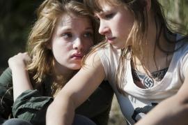 Jella Haase & Alina Levshin - Guerrière